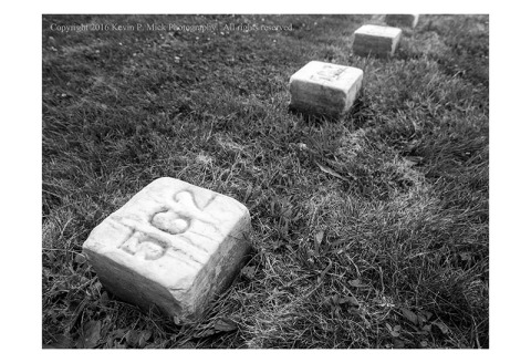 BW photograph of the unknown soldiers grave markers in Gettyburg Battlefield Cemetary.