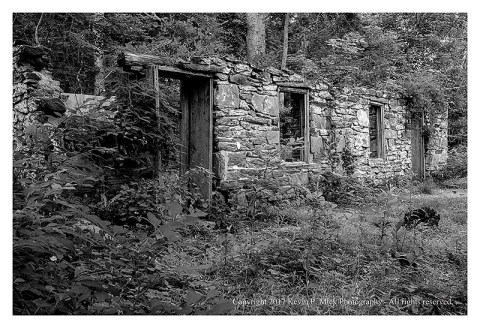 BW photograph of a boarding house at Oregon Ridge looking west.
