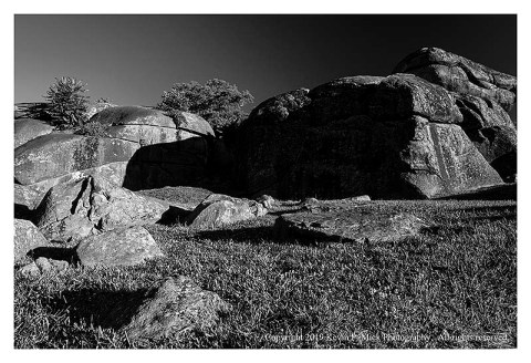 BW photograph of a section of Devil's Den.