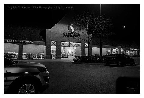 BW photograph of a grocery in the early early morning in the age of COVID-19.