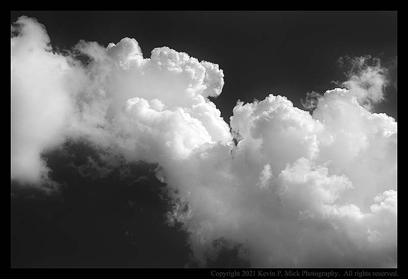 BW photograph of a storm-producing cloud.
